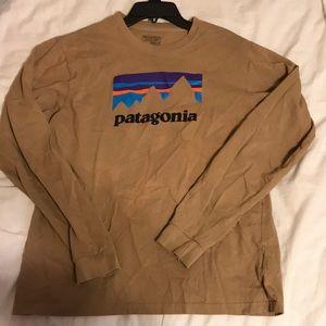 Patagonia Shirts - Patagonia T-shirt